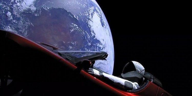 Elon Musk Konuştu: Varsa Şekliniz Piste Bekleriz!