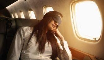 Uçakta Mükemmel Bir Uyku İçin Altın Değerinde 9 Tavsiye